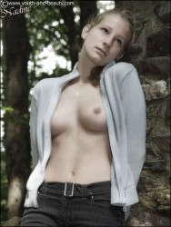 http://thumbnails107.imagebam.com/22543/1a89c4225426483.jpg