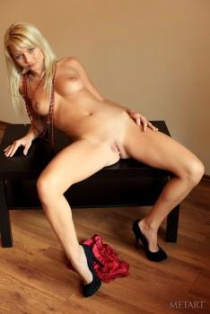 Grace C una rubia preciosa desnuda