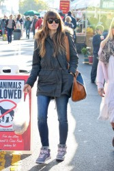 Jessica Biel - at the Farmer's Market in Studio City 1/6/13