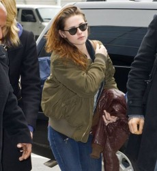 Kristen Stewart - arrives at JFK Airport in NYC 1/12/13