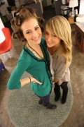 Candace Bailey and Sara Underwood - G4 Office Candids (12/20/2012) - (8xUHQ)