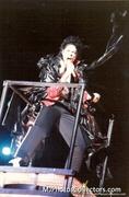 BAD WORLD TOUR  40a323232520788