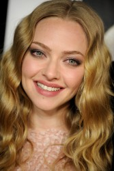Amanda Seyfried @ 'Gone' Premiere Feb '12 HQ x 131