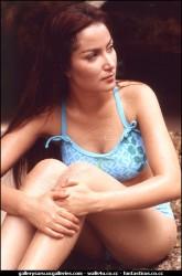 Foto Model Hot Seksi Bikini Jadul Najwa di Pantai - wartainfo.com