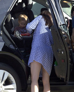 c32eab235657302 Selma Blair takes her son Arthur to a park in Los Angeles (Feb 3)   45 HQ candids