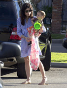 f2d846235657354 Selma Blair takes her son Arthur to a park in Los Angeles (Feb 3)   45 HQ candids