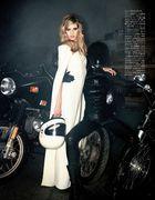 Vogue Japan (January 2013) 07cfe1236643876