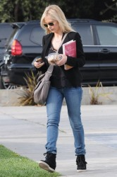Sarah Michelle Gellar - out in LA 3/29/13