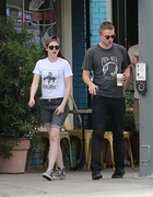 Robsten - Imagenes/Videos de Paparazzi / Estudio/ Eventos etc. - Página 10 76482f247312848