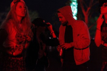 Robsten - Imagenes/Videos de Paparazzi / Estudio/ Eventos etc. - Página 10 21d4d3248710840