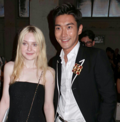 Dakota Fanning / Michael Sheen - Imagenes/Videos de Paparazzi / Estudio/ Eventos etc. - Página 6 B1d3dc253983405