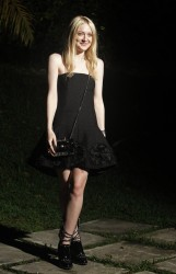 Dakota Fanning / Michael Sheen - Imagenes/Videos de Paparazzi / Estudio/ Eventos etc. - Página 6 B81fb1253983187