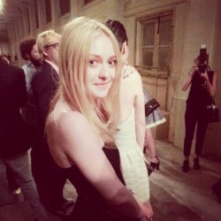 Dakota Fanning / Michael Sheen - Imagenes/Videos de Paparazzi / Estudio/ Eventos etc. - Página 6 F27d1f253983736