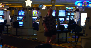 Spluwy, dziewczyny i poker / Guns, Girls and Gambling (2012) PL.480p.BRRip.XviD.AC3-CiNEMAET-ferdek / Lektor PL + RMVB + x264