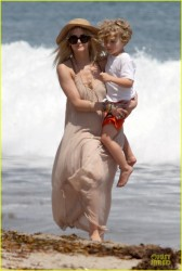 Ashlee Simpson - At the beach in Malibu 6/30/13