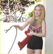 Jennette McCurdy - washes her car in her driveway in LA 7/9/13