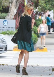 Sarah Michelle Gellar - out in Santa Monica 7/10/13