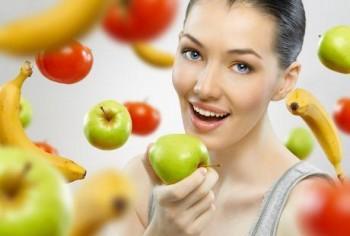 Mengonsumsi buah-buahan - Ist
