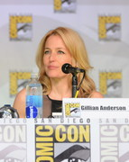 Gillian Anderson | SDCC | X-Files 20th Ann Panel | 14HQ | 18/7/13