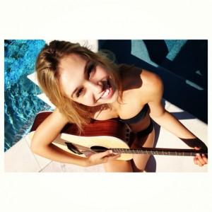 http://thumbnails107.imagebam.com/26939/f8f7da269384319.jpg