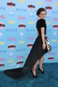 Lily Collins - Teen Choice Awards 2013 at Gibson Amphitheatre in Universal City   11-08-2013     7x Adff3b270047302