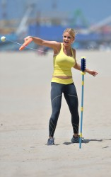 29255e270454435 [Ultra HQ] Carrie Keagan   at a photoshoot in LA 8/13/13 high resolution candids