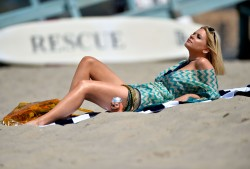 a78ebe270455931 [Ultra HQ] Carrie Keagan   at a photoshoot in LA 8/13/13 high resolution candids