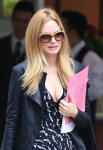 c15f35270677530 Heather Graham   out and about candids in Vancouver, August 14, 2013 high resolution candids