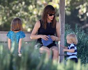 Jennifer Garner - out in Pacific Palisades & at the Brentwood Country Mart 9/4/13