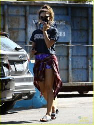 Vanessa Hudgens - Out in LA 9/15/13