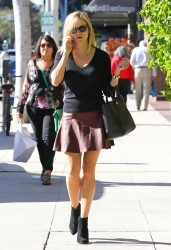 Reese Witherspoon - out in Beverly Hills 9/26/13