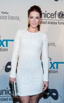 92d395285802217 Bridget Regan – UNICEF Masquerade Ball in New York