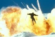 Джеймс Бонд 007: И целого мира мало / 007 The World Is Not Enough (Пирс Броснан, 1999) 0efe75287543817