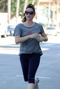 Jennifer Garner - morning run in Santa Monica 11/10/13