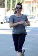 Jennifer Garner - morning run in Santa Monica 11/10/13
