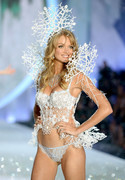 Lindsay Ellingson - Victoria's Secret Fashion Show in NYC 11/13/13