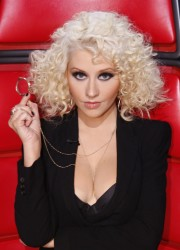 Christina Aguilera - Hotness Overload! (The Voice Live Show 11/19/13)
