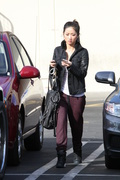 5d44b0291662762 [Ultra HQ] Brenda Song   out in Studio City 11/26/13 high resolution candids