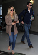 bc1ee3291664961 [Ultra HQ] Kaley Cuoco   at LAX Airport 11/27/13 high resolution candids