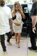 Kim Kardashian - Shopping in Miami 11/29/13