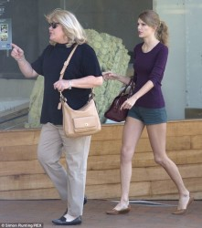 Taylor Swift - out in Auckland 12/1/13