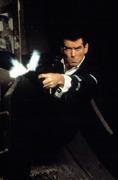 Джеймс Бонд 007: И целого мира мало / 007 The World Is Not Enough (Пирс Броснан, 1999) Aed3ba292271382