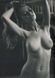 http://thumbnails107.imagebam.com/40229/82b7de402281307.jpg