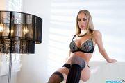 Nicole Aniston - Nicole's Sexy tease (HQ)