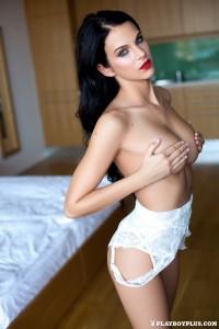http://thumbnails107.imagebam.com/40530/d4aaf9405296922.jpg
