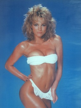Janet Jones: Hot 80'S Bikini Shoot - HQ x 1