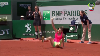 Simona Halep French Open 2015 - fall upskirt